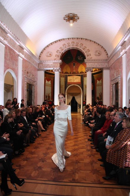 BRUNO CARUSO – LE MUSE  Presentata a Palazzo San Teodoro  la collezione 2019 dello stilista partenopeo  in una serata-evento dedicata all'interculturalità
