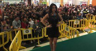Alessia Macari ospite all'Auchan di Giugliano