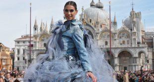 Melissa Satta al Carnevale di Venezia