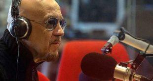 Enrico Ruggeri a Radio24. Foto pagina Facebook.