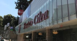 Esterno Teatro Cilea