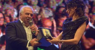 Anna Valle insignita del Premio Charlot 2017