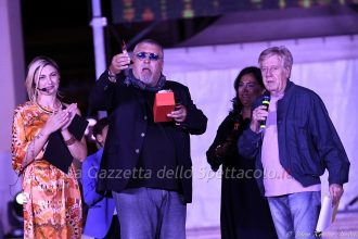 Il premio a Maurizio Mattioli.