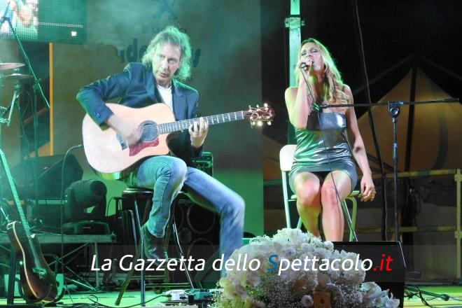 Annalisa Minetti live a Caivano. Foto di Giuseppe Giliberto.