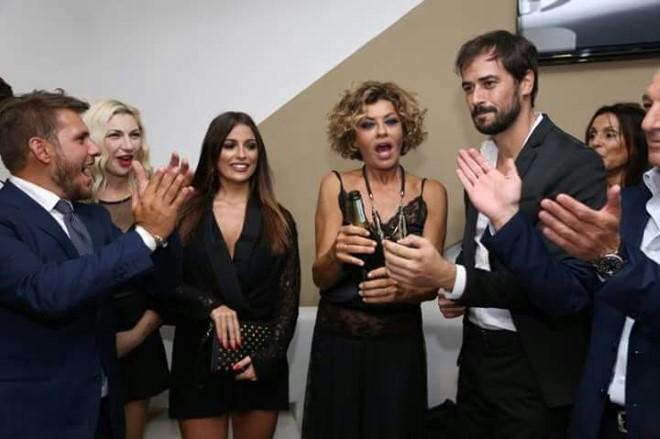 Inaugurazione al Moog. Nella foto Gianluca Festa, Lisa Torrisi, Alessia Macari, Eva Grimaldi e Iago Garcia