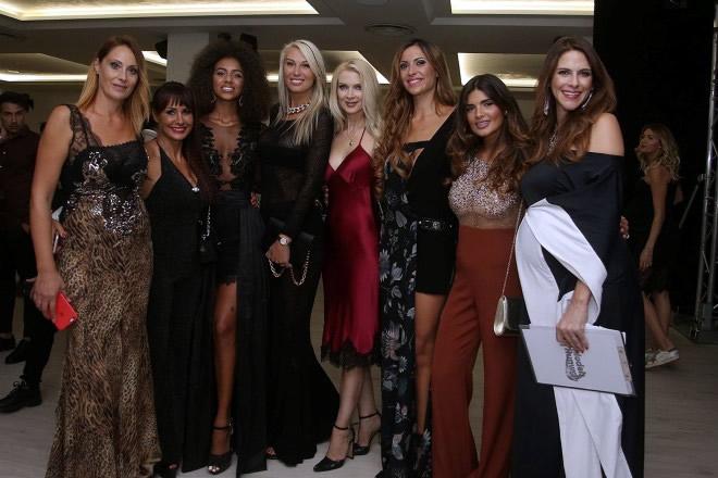 Mariateresa D'Arco con alcuni ospiti della serata. Foto Ufficio Stampa.