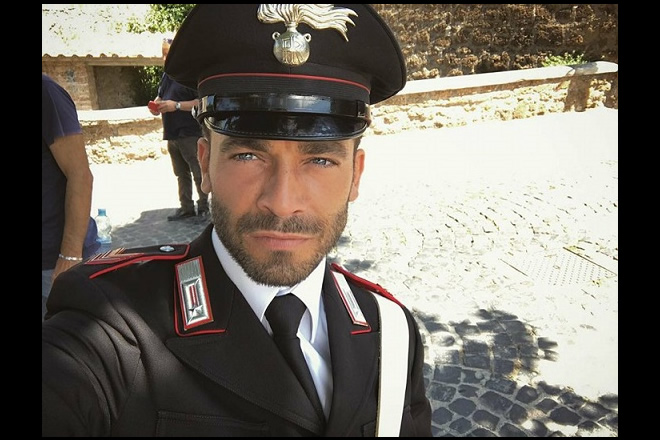 Selfie di Francesco Castiglione sul set di Don Matteo. Fonte Pagina Facebook.