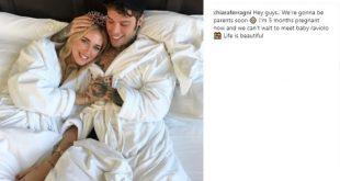 Chiara Ferragni dichiara di essere incinta sul suo profilo Instagram.