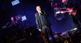 Gigi D'Alessio nel Live Tour 2017 all'Auditorium Parco Della Musica. Foto di Emiliano Marchionni.