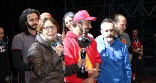 Alvin Star premiati dal vice direttore Mussi Bollini. Foto di Giulia Marchetti.