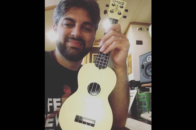 Il Maestro Ciro Manna in una foto dalla sua pagina Facebook.