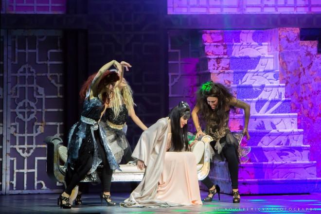 Lorella Cuccarini nel musical La Regina di Ghiaccio. Foto di Musacchio, Ianniello, Pasqualini.