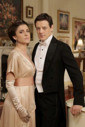 Francesca Valtorta con Giorgio Lupano interpretano Silvia e Corrado Corradi.