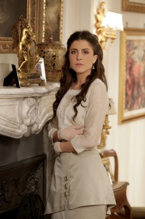 Francesca Valtorta interpreta Silvia Corradi.