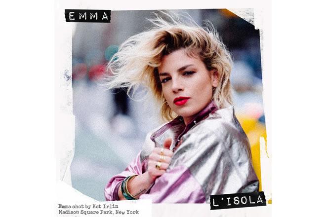 La cover di L'Isola, il nuovo singolo di Emma in uno scatto di Kat Irlin.