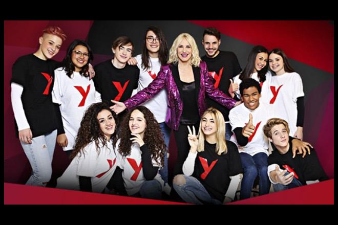 Antonella Clerici ed i concorrenti di Sanremo Young. Foto dal Web