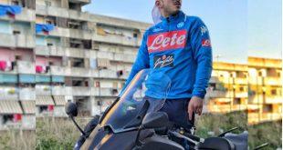 Enzo Dong in una scena del video.