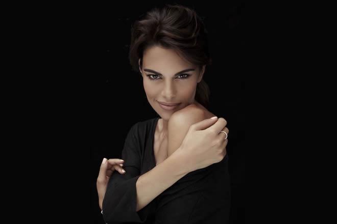 Protagonista d'eccezione dell'estate 2018 in musica per le piazze italiane, sarà Bianca Guaccero, scelta come conduttrice del Festival Show 2018.