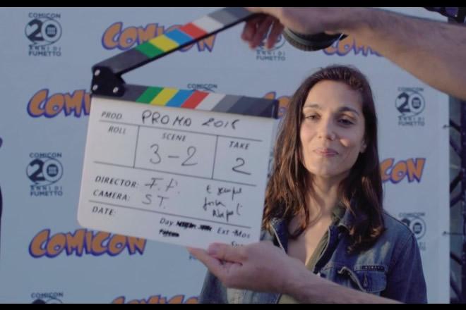 Cristiana Dell'Anna in un ciak dello spot girato per il ventennale del Comicon di Napoli.