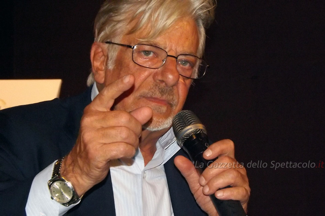 L'attore Giancarlo Giannini si racconterà così attraverso le varie fasi della sua carriera prima di attore, poi come regista ed anche come doppiatore