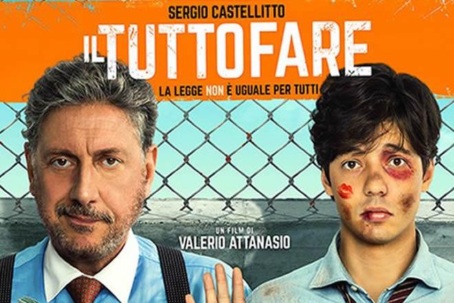 Arriva al cinema, Il tuttofare, una storia che racconta le avventure o disavventure di un giovane praticante in legge che segna l'esordio alla regia di Valerio Attanasio.