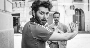 Stefano Lodovichi, regista de Il Cacciatore, durante le riprese. Foto da Ufficio Stampa