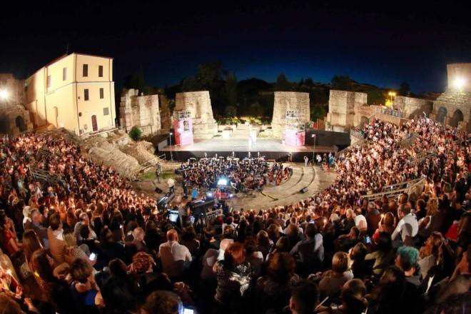 Cinque sono i giorni di Manifestazione, che copriranno tutto il centro storico della città, con più di cinquanta eventi durante le giornate del Festival Benevento Cinema Televisione, che tra lungometraggi e cortometraggi in concorso e il concerto di chiusura del Festival previsto il 9 luglio all'interno del Teatro Romano della città di Benevento.