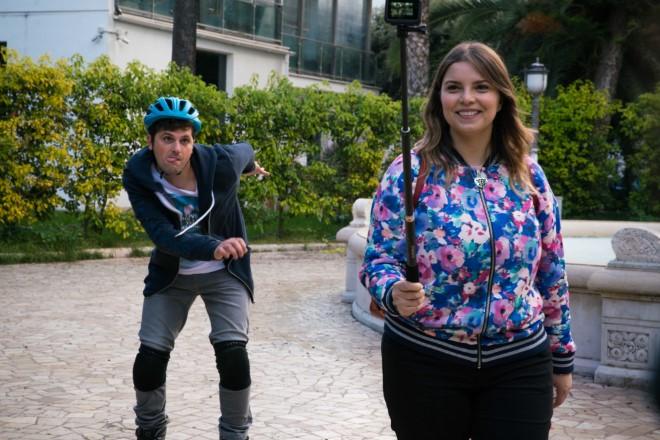 Marika Costabile con Frank Matano sul set di Tonno Spiaggiato.