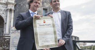 Alberto Angela riceve la cittadinanza onoraria dal sindaco Luigi De Magistris. Foto di Fabiana Privitera