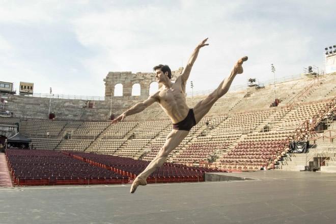 Roberto Bolle all'Arena di Verona. Foto Andrej Uspenski.