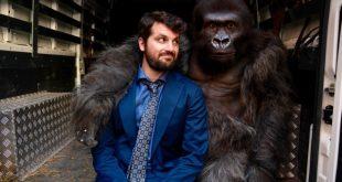 Frank Matano ed il Gorilla. Foto di Andrea Pirrello