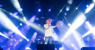 Gigi D'Alessio live ad Arena Virgilio. Foto di Paolo di Tucci. Fonte Facebook.