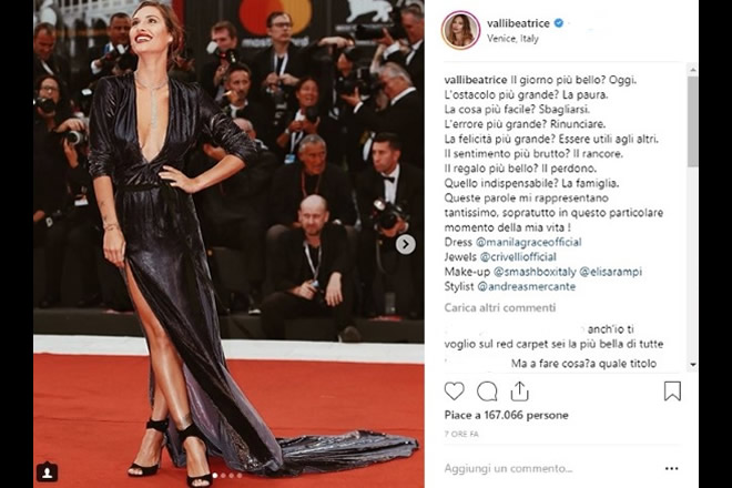 L'influencer Beatrice Valli sul red carpet di Venezia. Foto da Instagram.
