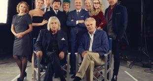 Il cast di Natale a 5 stelle. Foto da Ufficio Stampa