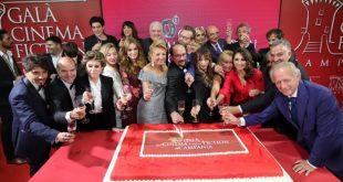 Il taglio della torta del Gala Cinema e Fiction in Campania