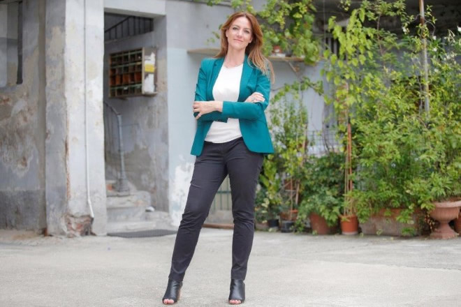 Ilenia Petracalvina conduce Eroi di Strada. Foto da Ufficio Stampa