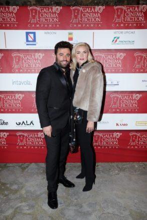 Luca Riemma con la compagna