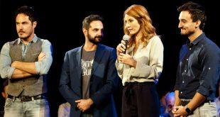 Milena Miconi con il cast di Affari di Famiglia. Foto di Pietro Nissi