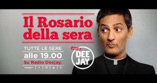 Rosario Fiorello in Il Rosario della Sera su Radio DeeJay