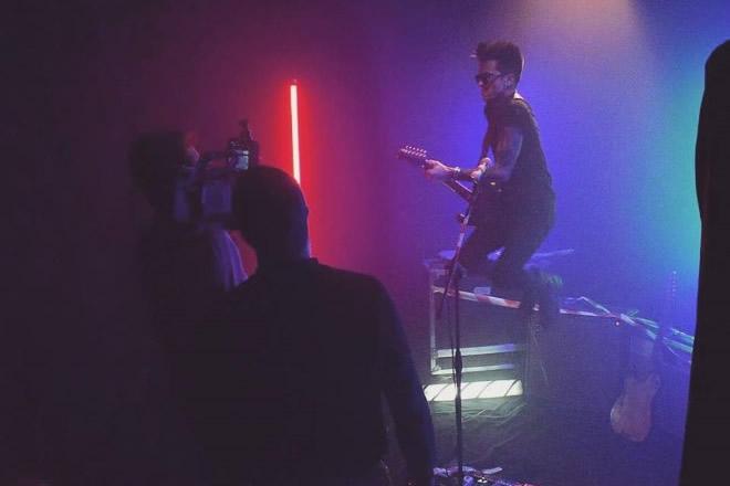 Suck my Blues sul set di Madness. Foto di Simona Russo