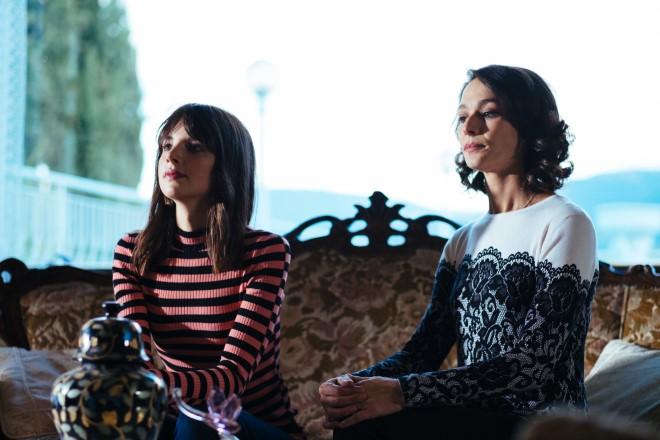 Federica Sabatini con Nicole Grimaudo in una scena di Liberi di Scegliere. Foto di Sara Petraglia