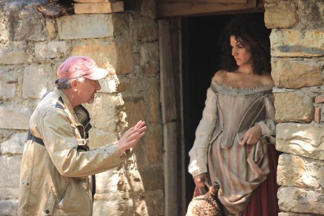 Roberta Procida con Giovanni Veronesi sul set. Foto da Ufficio Stampa.
