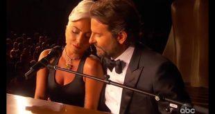Lady Gaga e Bradley Cooper durante la Notte degli Oscar 2019. Foto dal Web