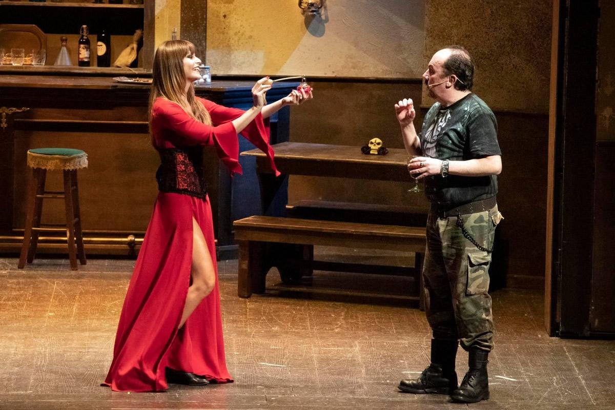 Tiziana De Giacomo e Maurizio Casagrande in una scena di Mostri a Parte.