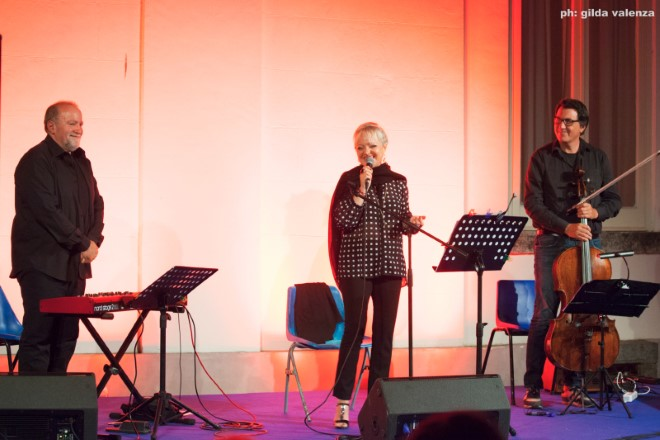 Maresa Galli in trio. Foto di Gilda Valenza