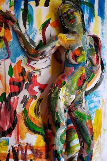 Sara Ohara body painting