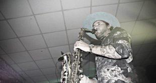 Jimmy Sax live all'Osea di Amorosi. Foto da TipiTipiEvents
