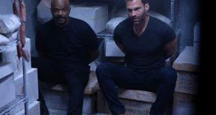 Damon Wayans e Seann William Scott in Lethal Weapon. Foto di Ray Mickshaw