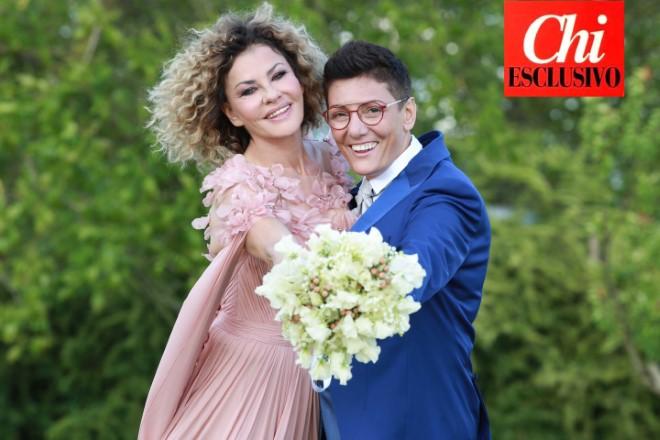 Eva Grimaldi e Imma Battaglia il giorno del matrimonio. Foto di Azzurra Primavera realizzate in esclusiva per Chi Magazine