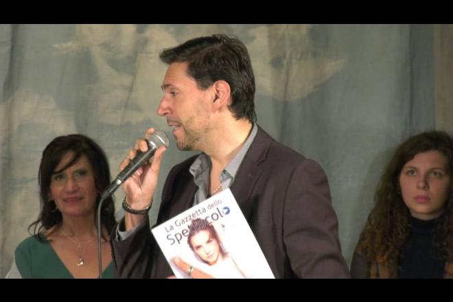 Francesco Russo interviene sul palco di Una Voce per l'Agro